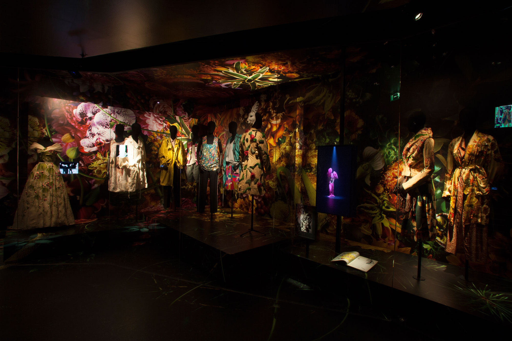 dries-van-noten-exposition-paris-arts-décoratifs-la-critiquerie-2014